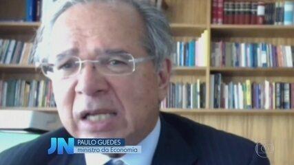 Guedes comemora PIB e mnistério avisa que deve cortar auxílio emergencial em 2021