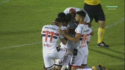 GOL! Guilherme Romão pega o rebote e fuzila no canto direito do gol de Ygor, aos 9' do 1ºT