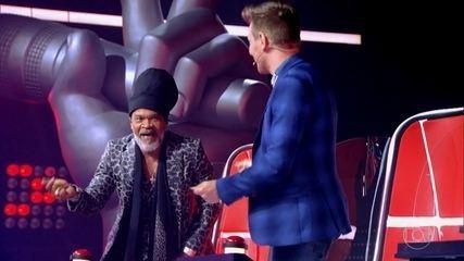 Reveja momentos cômicos do The Voice Brasil