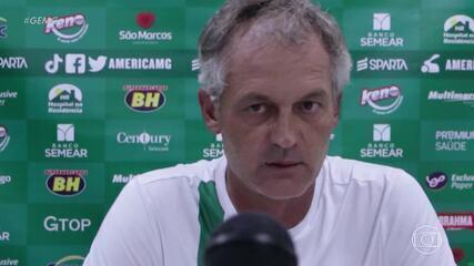 Arbitragem erra e deixa Lisca furioso após empate entre América e Chapecoense