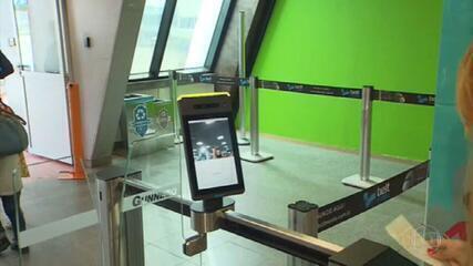 Tecnologia de reconhecimento facial facilita embarque nos aeroportos