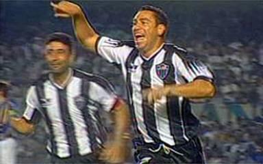 Em 1999, os gols de Atlético-MG 3 x 2 Cruzeiro, pelo Campeonato Brasileiro