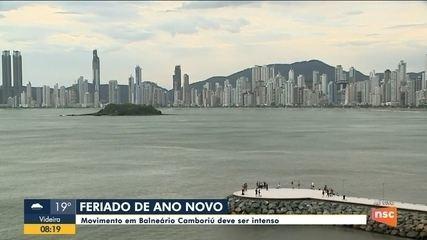 Movimento intenso em Balneário Camboriú, no feriado de final do ano
