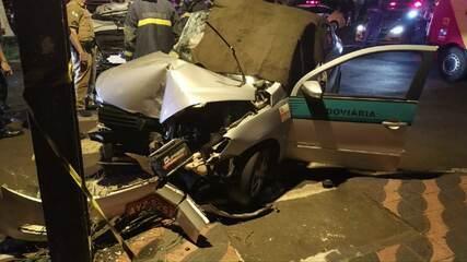 Taxista e passageiro morrem em batida em Maringá