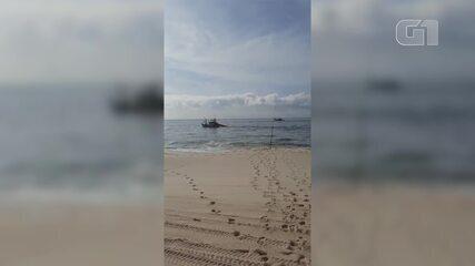 Embarcações a motor são flagradas em pesca ilegal próxima à praia em Maricá, no RJ