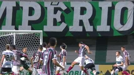 Gol do Fluminense! Fred sobe no meio de toda defesa do Coritiba e marca, aos 26' do 2T