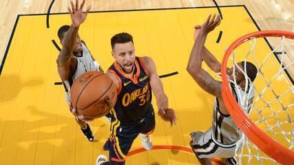 Melhores momentos: Golden State Warriors 121 x 99 San Antonio Spurs pela NBA