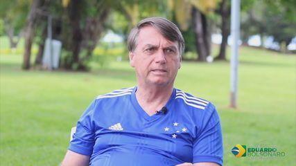Preocupação do governo com prazos da vacinação contrasta com falas recentes de Bolsonaro