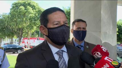 Mourão diz que furar fila de vacina é 'falta de solidariedade' e 'falta até de caráter'