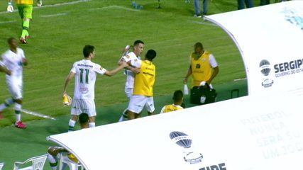 Marcelo Toscano e Ademir discutem após empate do América-MG com o Confiança