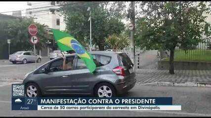 Em Divinópolis, manifestantes fazem ato a favor da vacina e contra Bolsonaro
