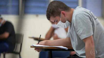 Mais de 2,5 milhões de estudantes fazem no domingo a segunda prova do Enem