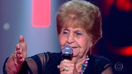 Miracy de Barros se apresenta no palco do The Voice +
