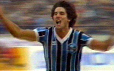 Em 1983, melhores momentos de Grêmio 2 x 1 Hamburgo, pela final do Mundial Interclubes
