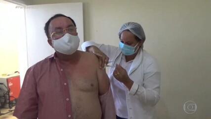 FANTÁSTICO: Veja como foi início da vacinação contra a Covid e as denúncias de 'fura-filas' no Brasil