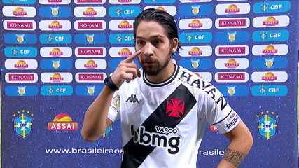 Benítez comemora belo gol de falta e diz que tem treinado muito essas cobranças