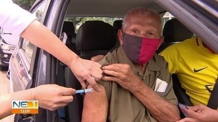 Recife inicia vacinação de idosos a partir de 85 anos contra a Covid-19