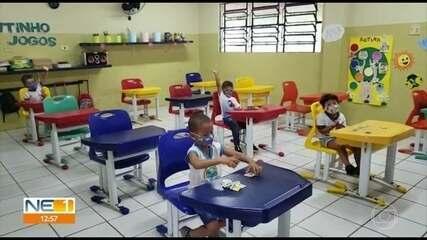 Alunos da educação infantil voltam às aulas em Fernando de Noronha