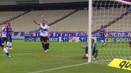 Melhores momentos: Fortaleza 3 x 1 Coritiba pela 34ª rodada do Brasileirão