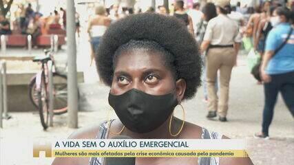 Brasileiros sofrem com a falta do auxílio emergencial; Guedes diz que ajuda pode voltar para metade dos beneficiários