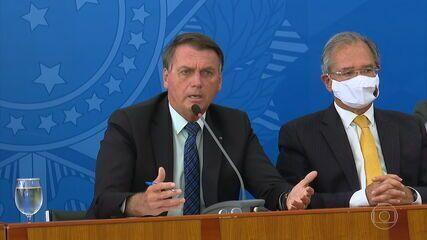 Bolsonaro diz que estuda projeto de lei para reduzir preço dos combustíveis
