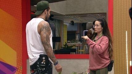 Na sala do BBB21, Juliette fala para Arcrebiano: 'Vou esperar que você seja justo'