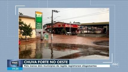Cidades do Oeste registram alagamentos após forte chuva