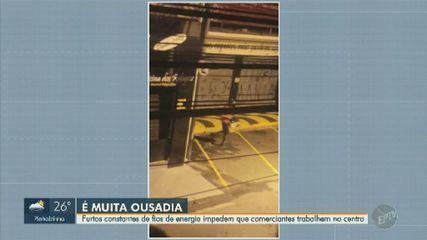 Comerciantes do Centro de Campinas relatam prejuízos após roubo de fios e falta de luz