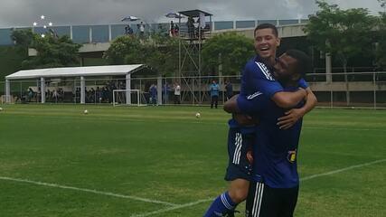 Welinton entra no segundo tempo e marca gol para vitória do Cruzeiro em jogo-treino