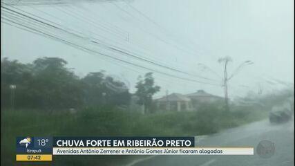 Avenidas de Ribeirão Preto, SP, ficam alagadas durante chuva