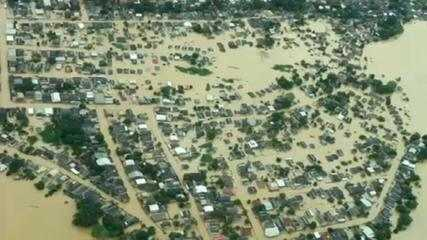 Diante de enchentes, Bolsonaro anuncia ida ao Acre na quarta (24)