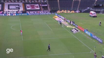 Vídeo do intervalo de Vasco x Inter revela tensão na cabine do VAR