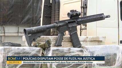 Policiais disputam posse de fuzil na justiça