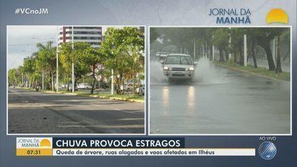 Forte chuva provoca transtornos e alagamentos no sul da Bahia