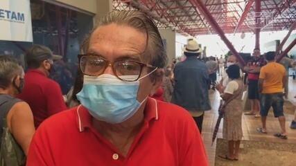 Aposentado Francisco Teixeira reclama da aglomeração em posto de vacinação em Manaus