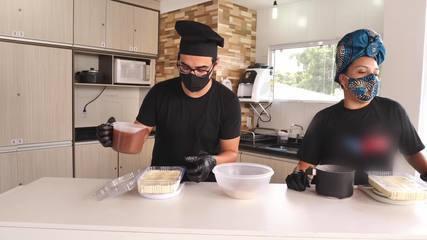 Além de arrasar com o gogó, o paranaense Douglas Ramalho arrasa na cozinha também!