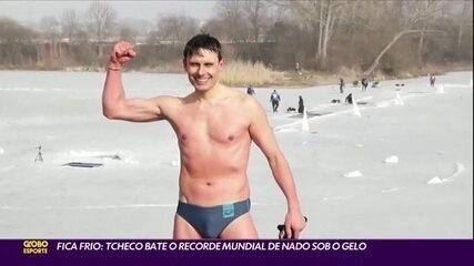 Fica frio: tcheco bate recorde mundial de nado sob o gelo