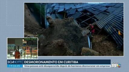 Barranco desmorona em empresa de Curitiba e atinge duas pessoas
