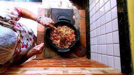Em Movimento: Muma de Siri e Moqueca de Guaibira também são pratos tradicionais do ES