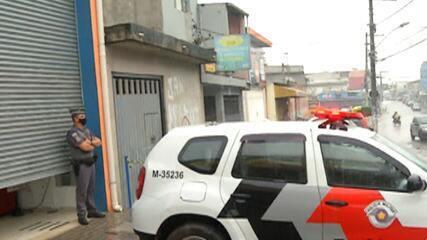 Carro invade lotérica durante a manhã desta terça-feira em Itaquaquecetuba