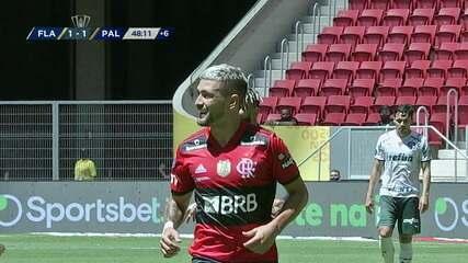 Arrascaeta disputou os 90 minutos da Supercopa e fez um lindo gol
