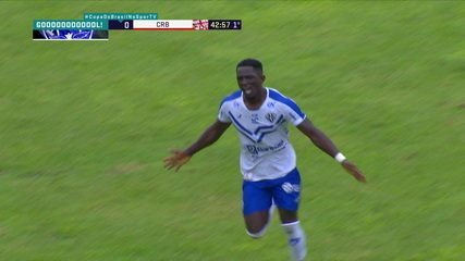 Gol do Paysandu! Israel dá caneta em Diego Ivo e bate no canto, tirando de Diogo Silva, aos 43 do 1ºT
