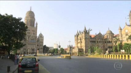La capitale indiana è in blocco per cercare di frenare l'epidemia