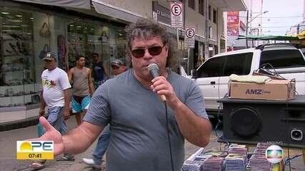Morre no Recife o cantor romântico Augusto César, que estava com Covid