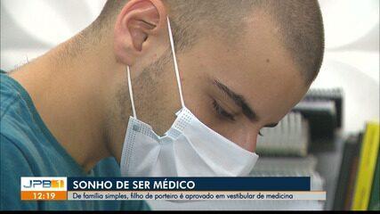 Filho de porteiro da UFCG passa no vestibular de medicina
