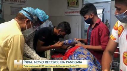 Índia passa pelo pior momento da pandemia, com parentes ressuscitando pacientes