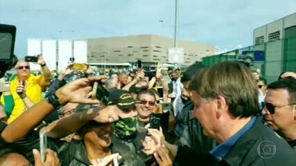 Bolsonaro provoca aglomeração em passeio de moto com apoiadores no Rio