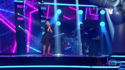 Sofia Farah canta 'Mercedes Benz' no 'The Voice Kids'