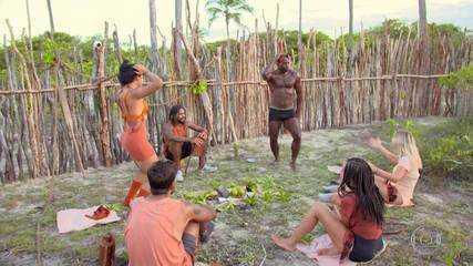 Tribo Carcará improvisa um Luau