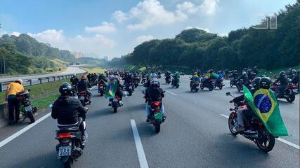 VÍDEO: Jair Bolsonaro participa de motociata em São Paulo